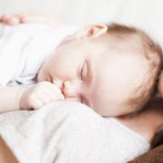 alvás babával